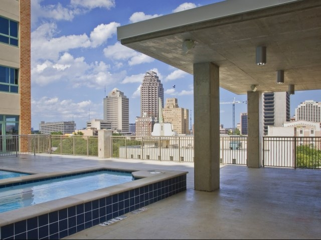 High Exposed Ceilings Accentuate Our Residents Retreat Panoramic Windows Frame A Stunning View Of The Downtown San Antonio Skyline
